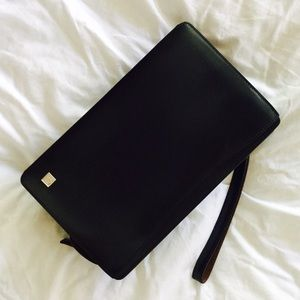 Dunhill Handbags - Dunhill London expandable Classy In Black