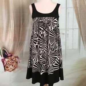 Maggy London Black and White Sleeveless Dress