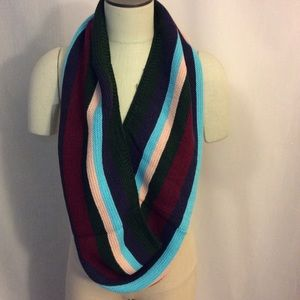 NWOT Multi Color Infinity Scarf Great Unisex Gift