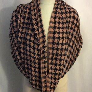 NWOT Pink Blush Check Infinity Scarf Great Gift