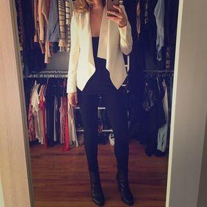 BCBGMAXAZRIA CREAM/ white blazer