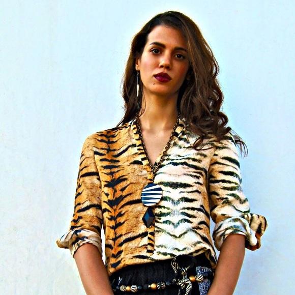 565209e0 Zara Woman tiger print blouse. M_58405f1c680278973b02cbf2