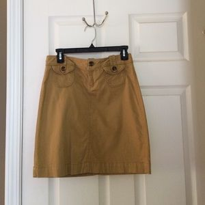Cute Old Navy khaki skirt.