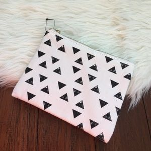 🍍CLEARANCE🍍 Aztec Printed Makeup Pouch