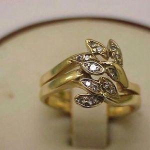 Jewelry - 14k yellow gold 8 snake heads ring w/diamonds.