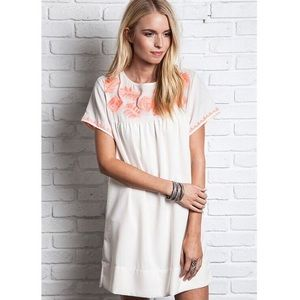 Umgee Dresses & Skirts - Umgee White Embroidered Mini Dress