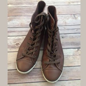 Converse women's brown leather shoes 6 1/2
