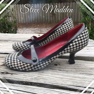 Steve Madden Houndstooth Pumps