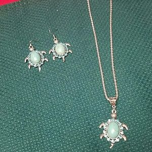 Jewelry - New boho turquoise turtle necklace earrings set