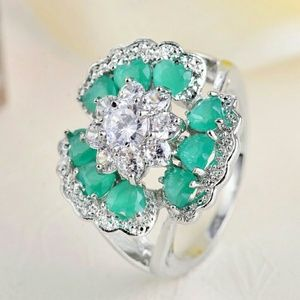 Jewelry - Awesome lab created emerald ss ring