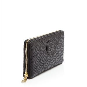 Tory Burch Handbags - Tory Burch Marion Quilted Zip Continental Wallet
