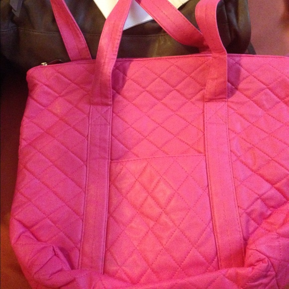e2ccdae5ed48 Pink quilted tote - similar to Vera Bradley 🌷🎀