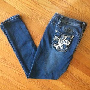 Earl Jeans Denim - 🎀 Earl Jeans - Fleur de lis Design w/Rhinestones!