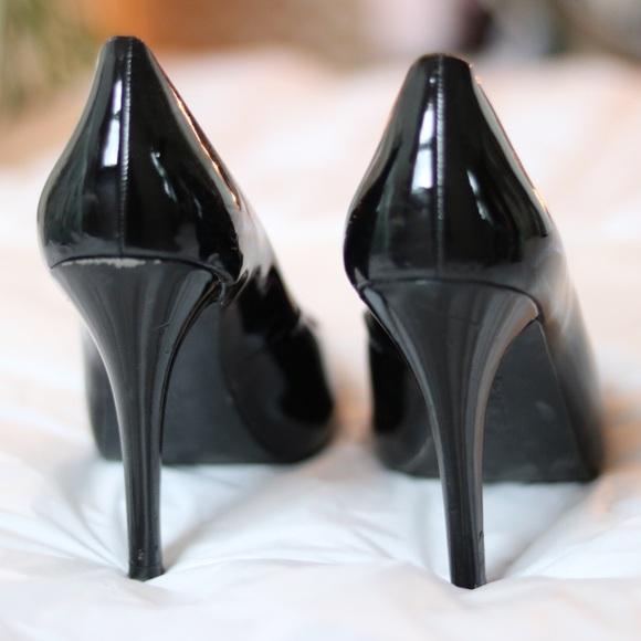 Kensie Girl Shoes - Kenzie Girl Patent Black Pumps