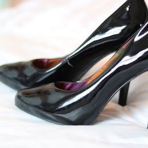 Kenzie Girl Patent Black Pumps