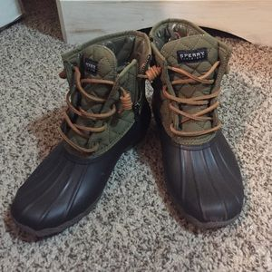 Sperry Duck Boots (New!) size 6!