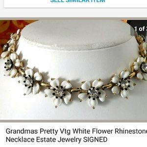 Vintage Jewelry - Grandma's Vtg Rhinestone White Flower Necklace