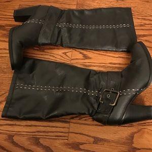 Knee high heeled boots sz 40 vguc