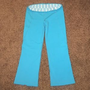 lululemon athletica Pants - Lululemon Teal Capris Size 6 No Tag Gently Worn