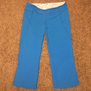 lululemon athletica Pants - Lululemon Teal Capri Leggings Never Worn Size 10