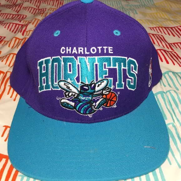 sneakers for cheap 9deda aad78 Charlotte Hornets NBA Basketball SnapBack Hat. M 5840bda48f0fc4a90c0405ee