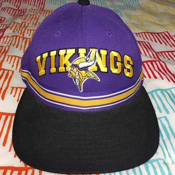 1da007fe4 Minnesota Vikings NFL Football StrapBack Hat. M 5840be8d4127d0f87d040b0b
