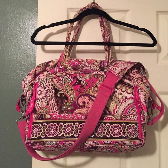cc84938e79632 Vera Bradley Very Berry Paisley Metropolitan Bag. M 5840c959620ff7c87a043095