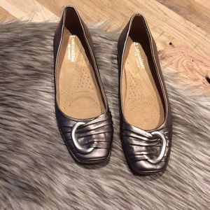 Naturalizer Shoes - NWOT Rose Silver Flats