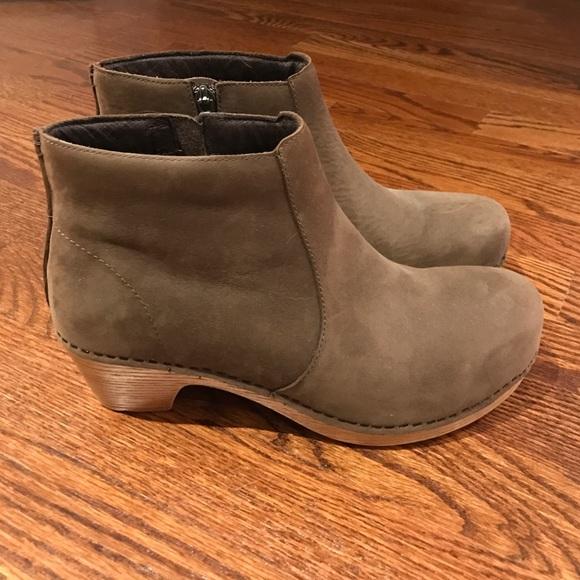 fb6c579ccc25 dansko maria boot 39