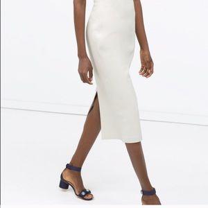 Zara faux leather skirt. MIDI. White, nwt! XS