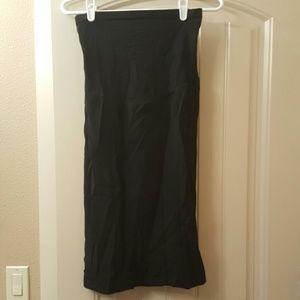 Motherhood Maternity Dresses & Skirts - Stretchy black skirt