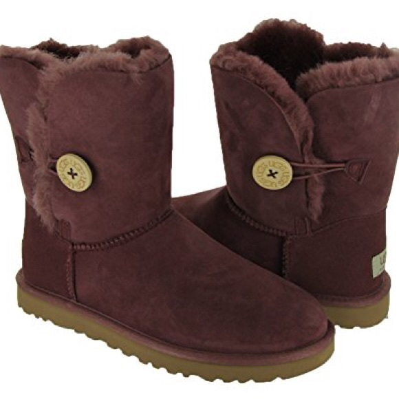 2e42f098339 Plum/Wine Short Bailey Button authentic Ugg boots
