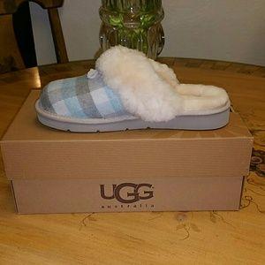 b7ad86919 UGG Shoes   Womens Cozy Flannel Slipper Atpl Sz 8   Poshmark