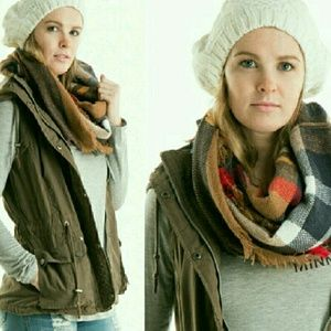 Accessories - Beautiful Plaid Infinity Scarf!