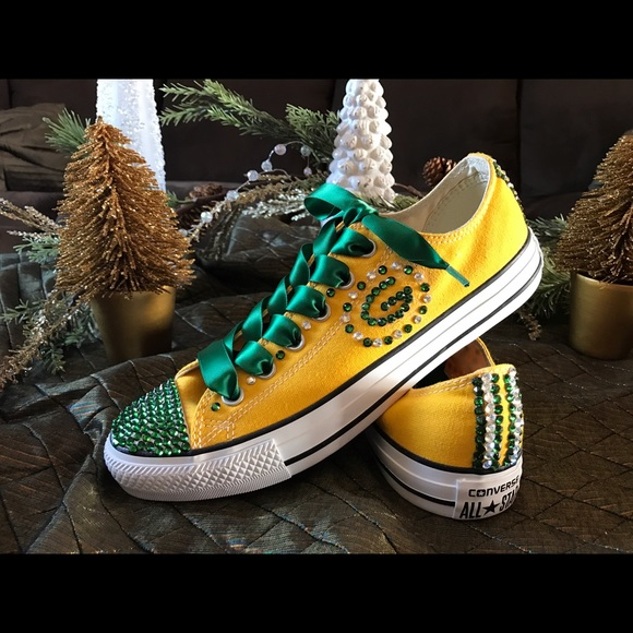 fb7529af (SOLD) Bedazelled Green Bay Packer shoes