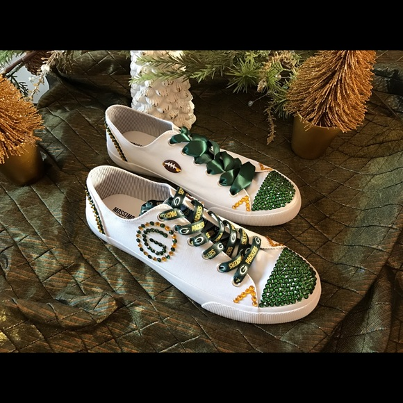 382add55 (SOLD) Bedazzled Green Bay Packer shoes