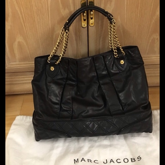 72% off Marc Jacobs Handbags - Marc Jacobs Black Leather Quilted ... : leather quilted bag - Adamdwight.com