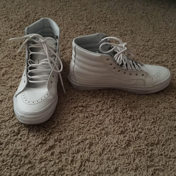 baae72eba9 White high top leather Vans. Rivets SK8-Hi Slim. M 584113ccf739bcdf21055fac