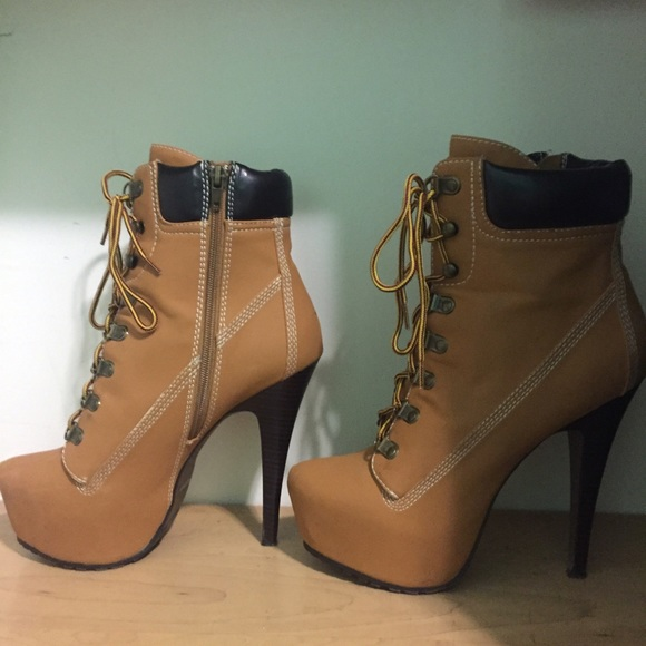 cd1f5fb2c91 Zigi Girl Platform Timberland Boots. M 584118699c6fcf64fe056e8d