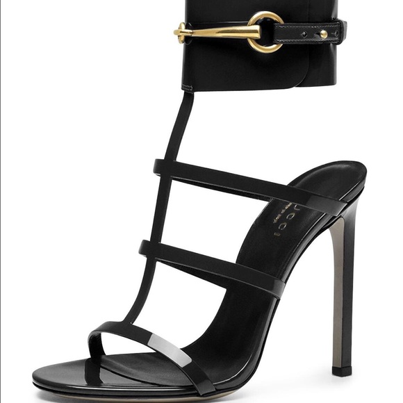 4e29714b2ee0 Gucci Shoes - Gucci Ursula Cage Sandal in Black
