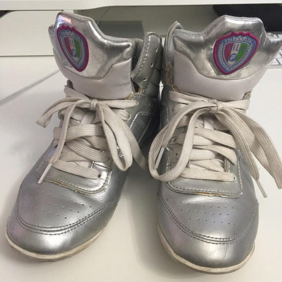 fila shoes original vs fake longchamp tag red glasses