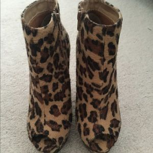 Liliana Shoes - Sexy Leopard Print Booties