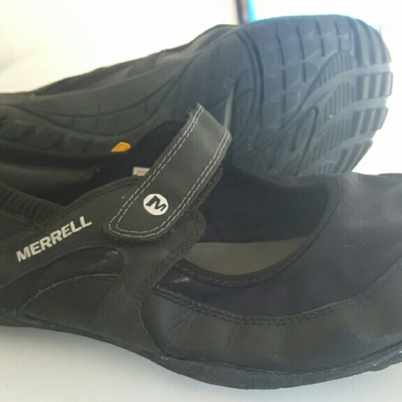 0bad0f2e2be Merrell Barefoot Pure Glove Mary Janes. M_584188eb522b4551b706590f