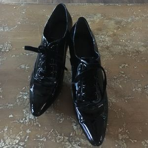 Nine West Shoes - Patent Leather shooties