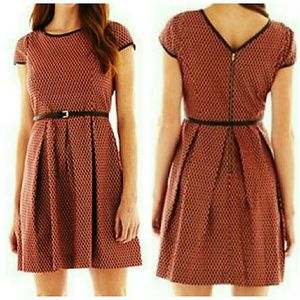 Red Capsleeve Dress w/Pockets!