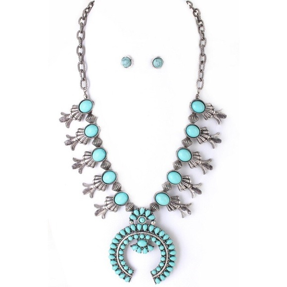 Jewelry - 🌵New Arrival🌵Squash Blossom Pendant Necklace Set