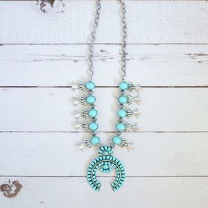🎉SALE!🎉🌵Squash Blossom Pendant Necklace🌵