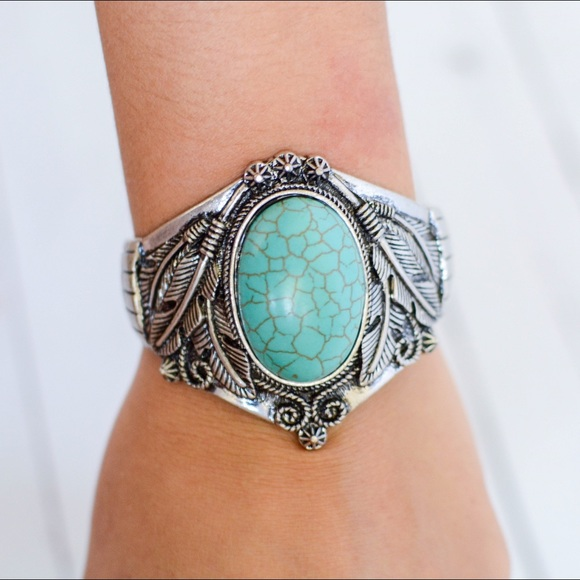 Jewelry - 🌵Turquoise Western Feather Cuff🌵