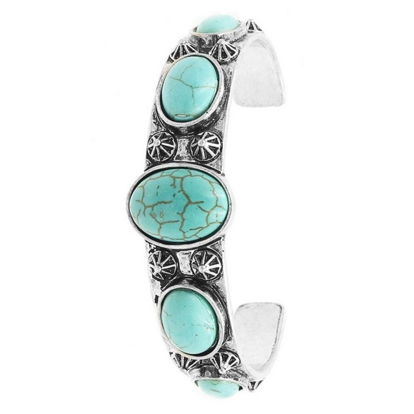 Jewelry - 🌵New Arrival🌵 Turquoise Western Boho Cuff