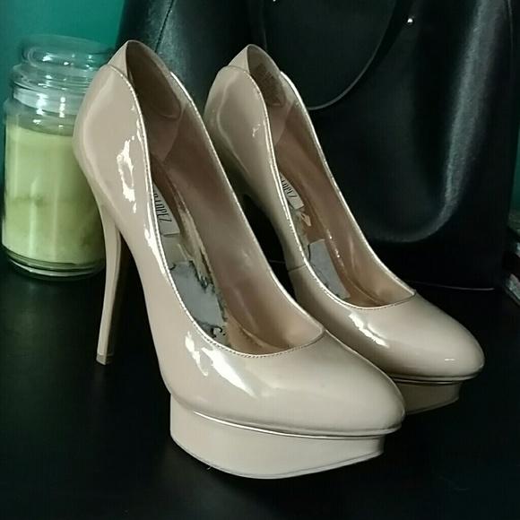 f7f9c8a77ef Jennifer Lopez Shoes - JLo nude pumps